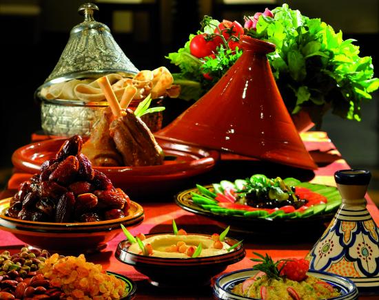 iftar-at-al-bahou-movenpick-hotel-ibn-battuta-gate-dubai.jpg