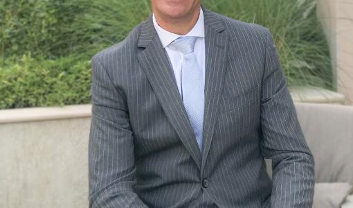 Mövenpick Hotel Apartments Downtown Dubai Appoints Eric Śešo as the New General Manager