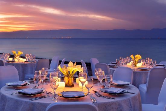 amazing-beach-wedding-setup.jpg